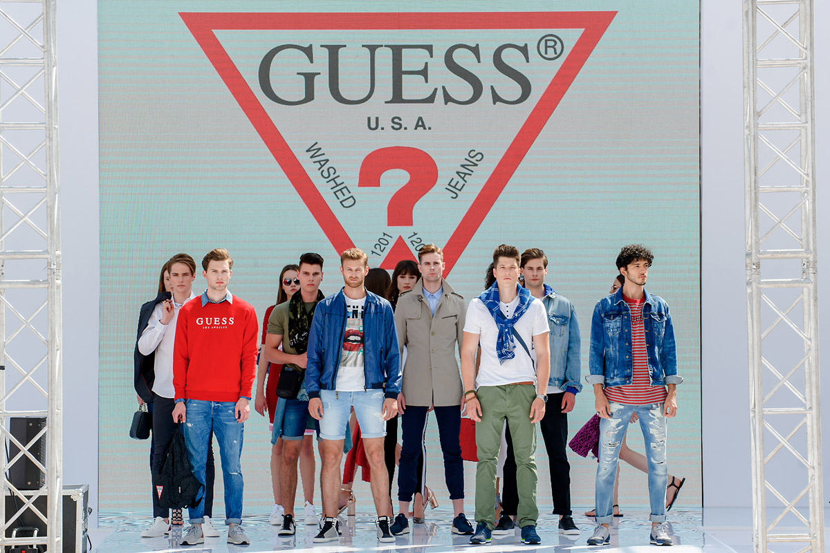 Guess 18